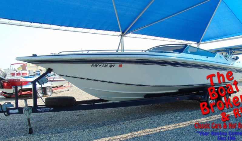 1992 27′ FOUNTAIN FEVER CLOSED BOW POWER BOAT